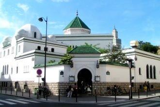 Paris Grand Mosque calls for prayers following Paris terror attacks
