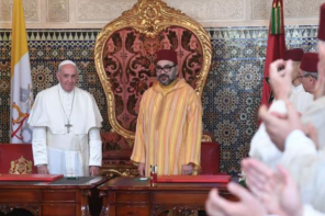Talk to your Muslim neighbours, Pope tells Catholics in Morocco